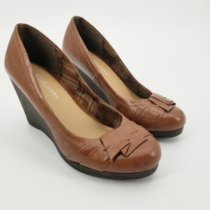 CL by Laundry Impassioned Brown Wedge Pump